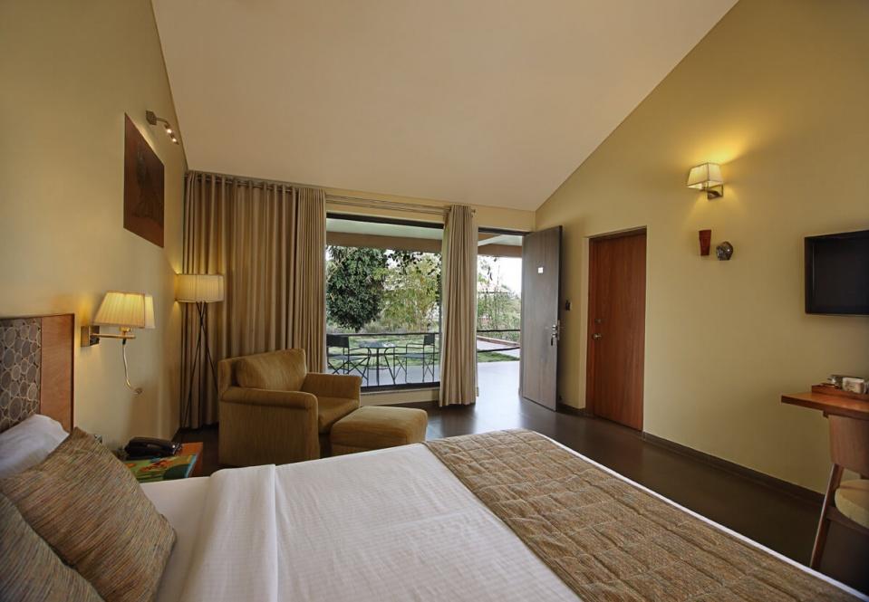 Svasara Jungle Lodge Tadoba Andhari - King Suite Room